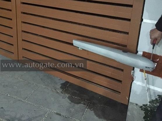 Cổng Tự Động Tay Đòn KingGates Couper 24 400Kg