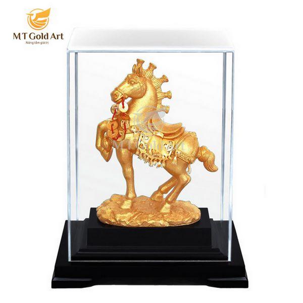 Biểu trưng tượng ngựa chiến thắng dát vàng- quà tặng doanh nghiệp cao cấp 7