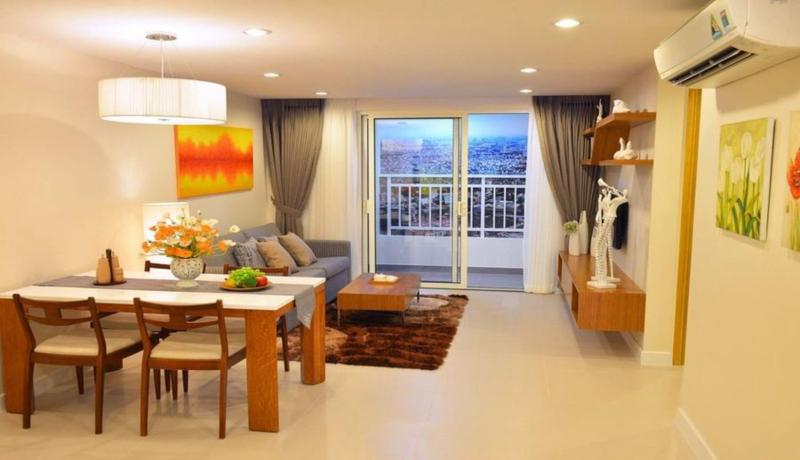 chuyen-nhuong-can-ho-saigon-royal-2pn-view-ho-boi-60m2-2