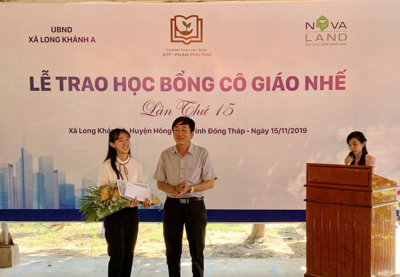 hoc-bong-co-giao-nhe-hanh-trinh-15-nam-chap-canh-uoc-mo-2