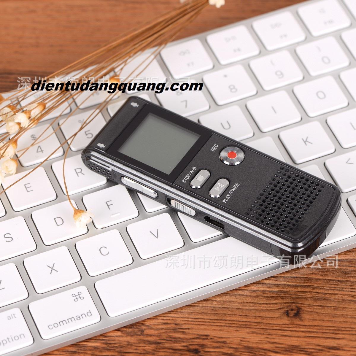 Mẫu ghi âm RV09 8GB giá rẻ, bền, nhỏ gọn, cao cấp RV16 bộ nhớ 16gb có lọc âm.  May-ghi-am1