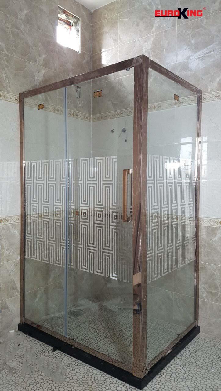 Phòng tắm vách kính EuroKing EU–4520