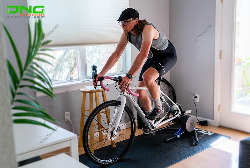 Thiết bị tập luyện đạp xe WAHOO KICKR CORE Smart Trainer