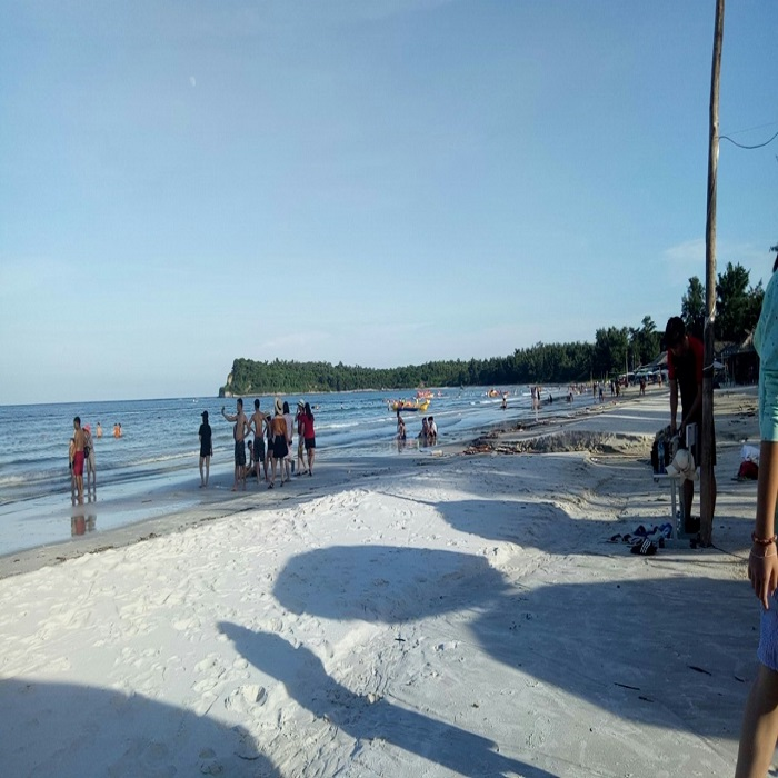 Biển Quan Lạn