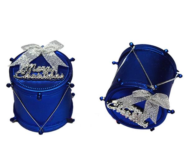 Đồ trang trí các loại: sao, chuông, túi quà, mũ, tất, gậy, kẹo,...