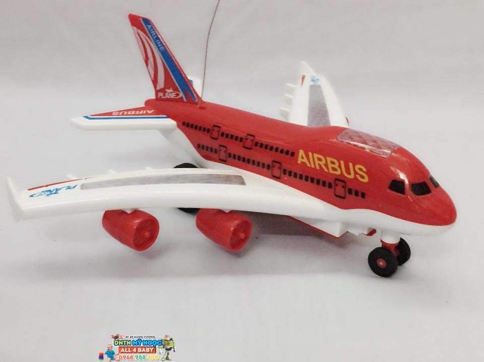 Máy bay điều khiển từ xa 1102