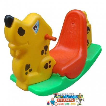Xe bập bênh Hoàng Thành chú chó