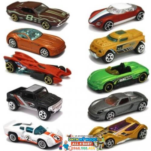 Bộ 10 xe đồ chơi Hot Wheels 54886