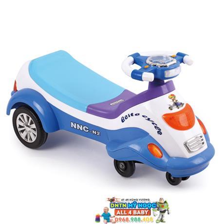 Xe lắc tay trẻ em hình ôtô N2