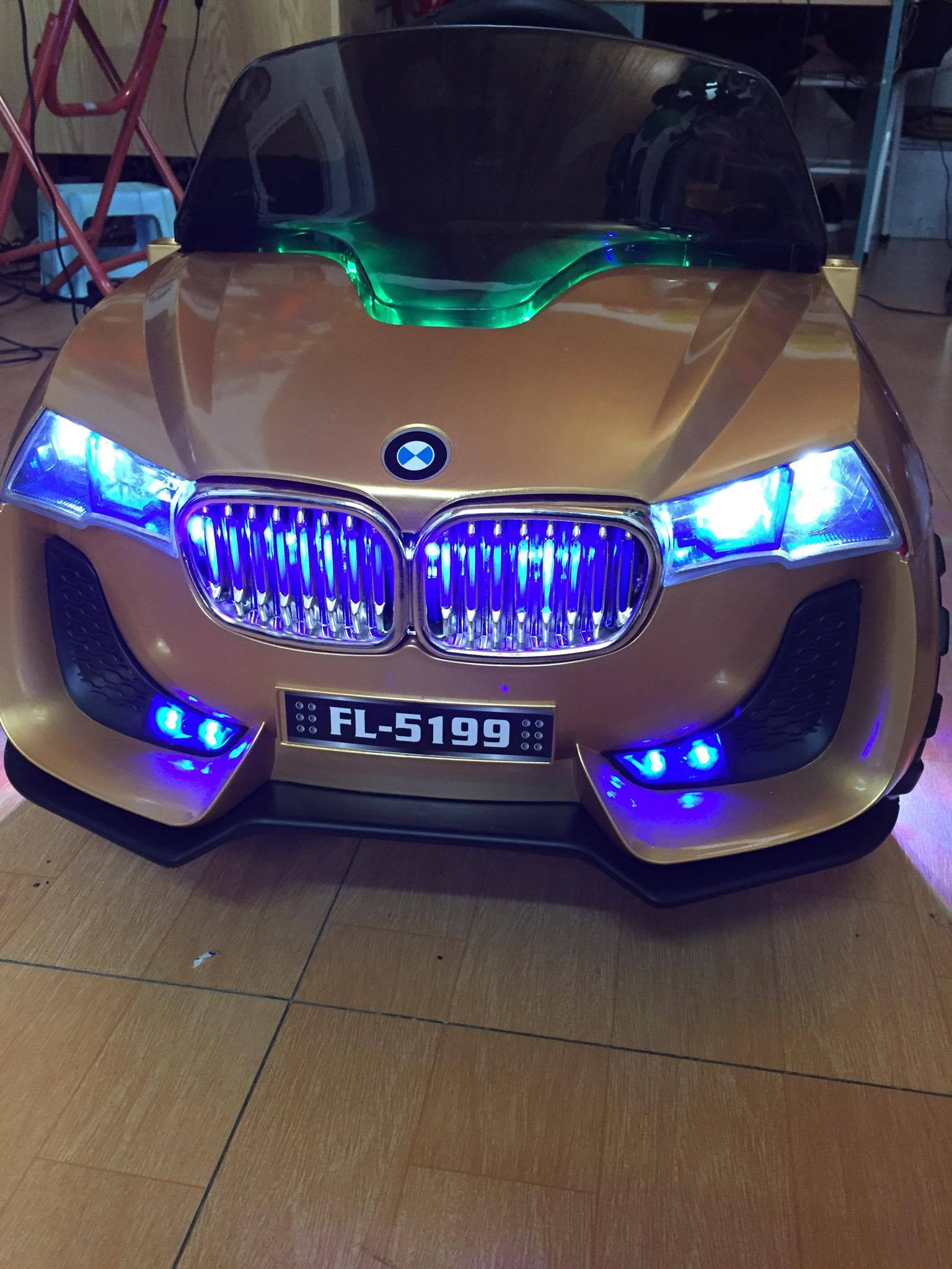 Xe ô tô điện trẻ em Mclanren 672R