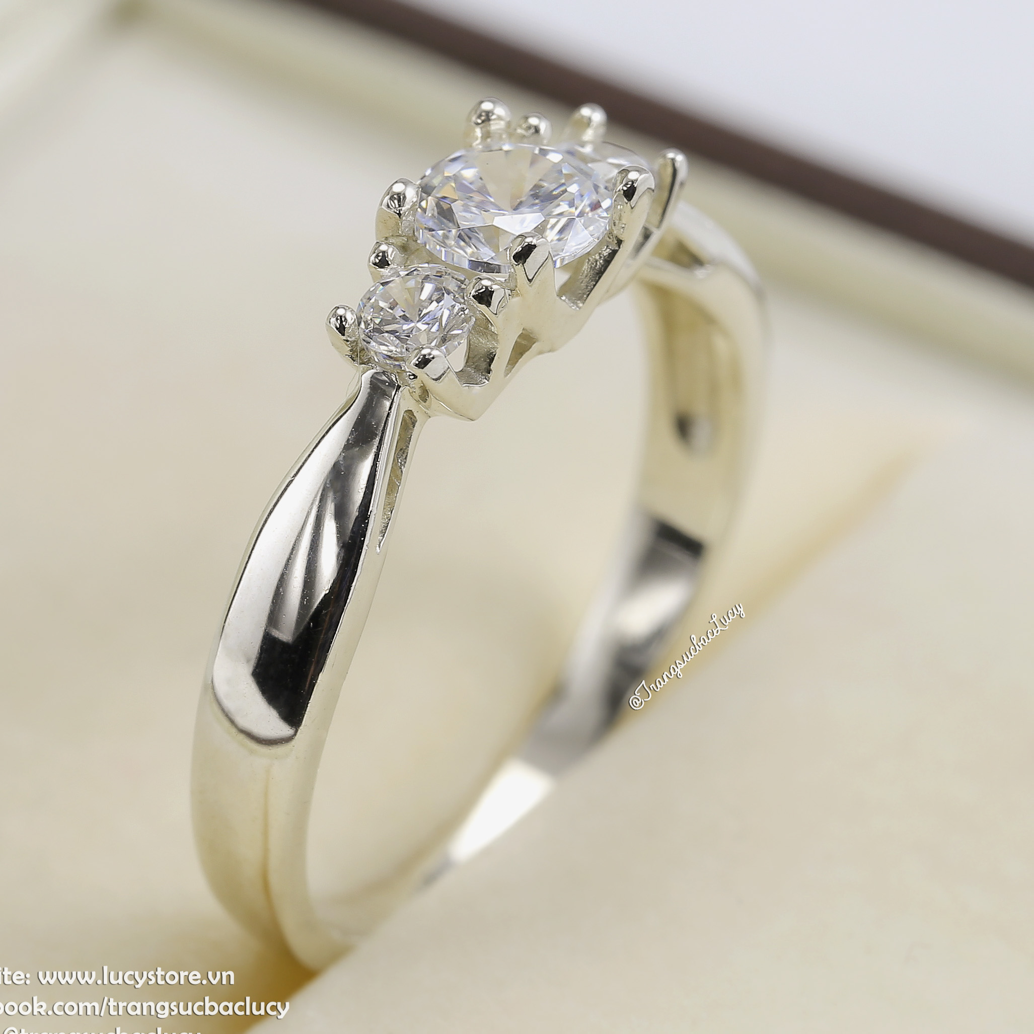 Nhẫn bạc nữ đẹp - RW193