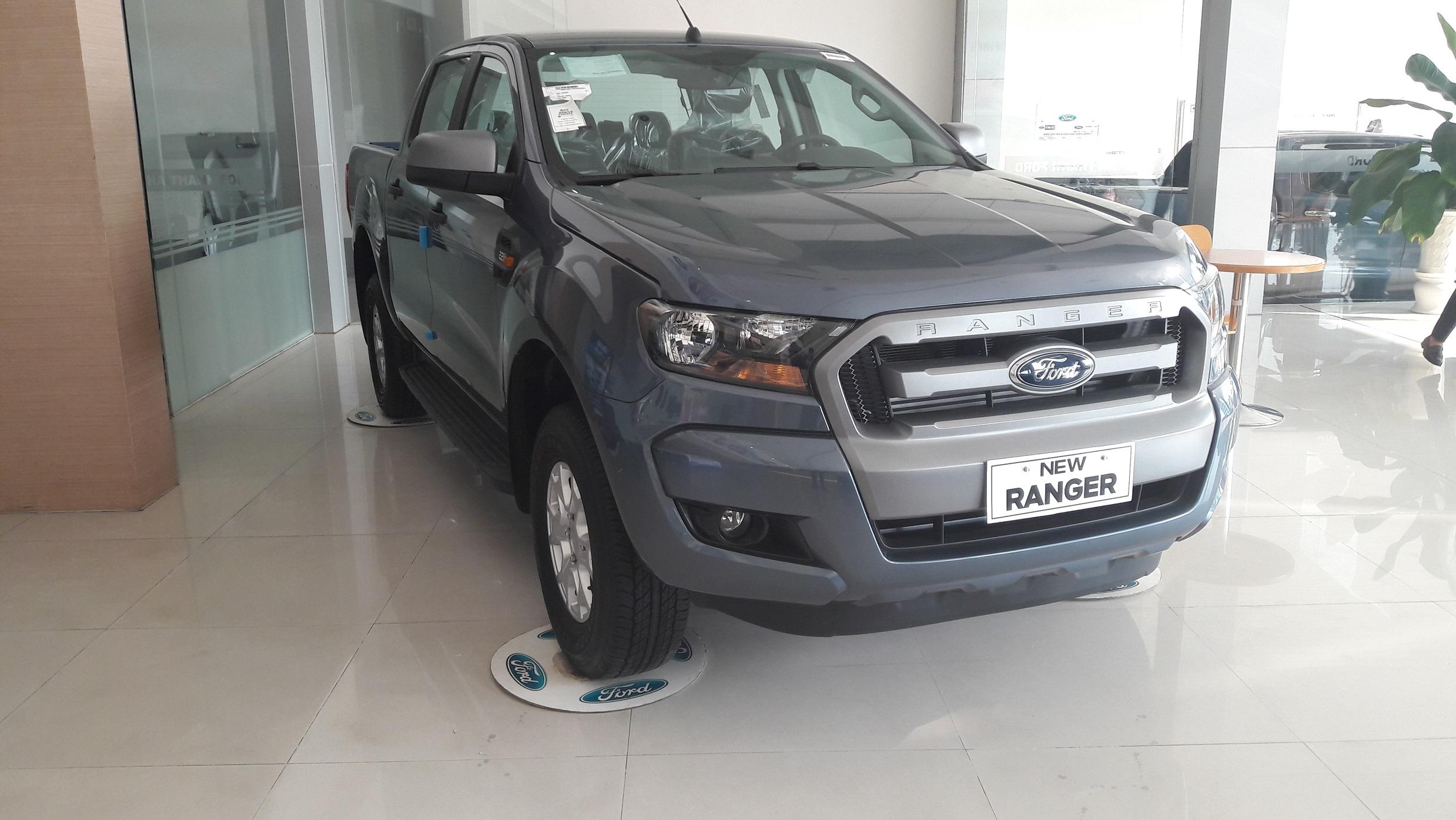 gia-xe-ford-ranger-xls-2017