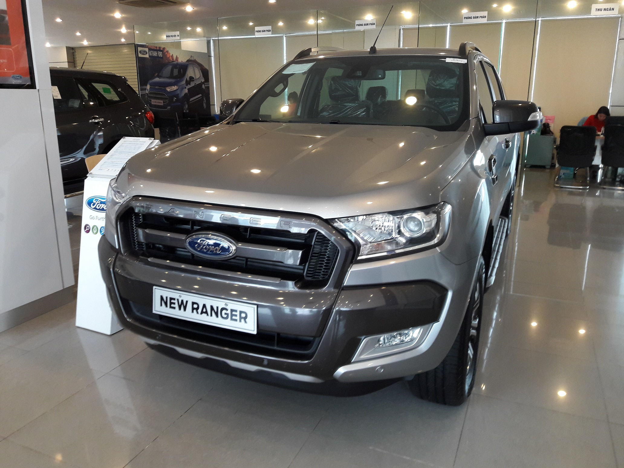 than-xe-ford-ranger-wildtrak 3.2- mau- bạc