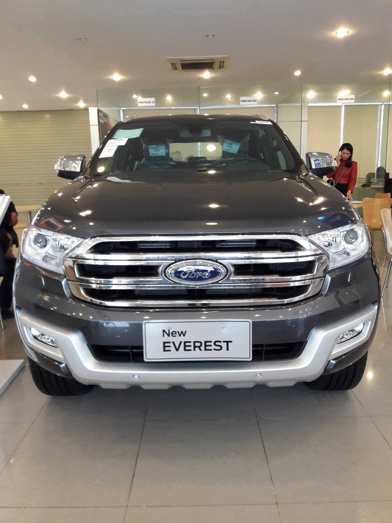 xe-suv-ford-everest