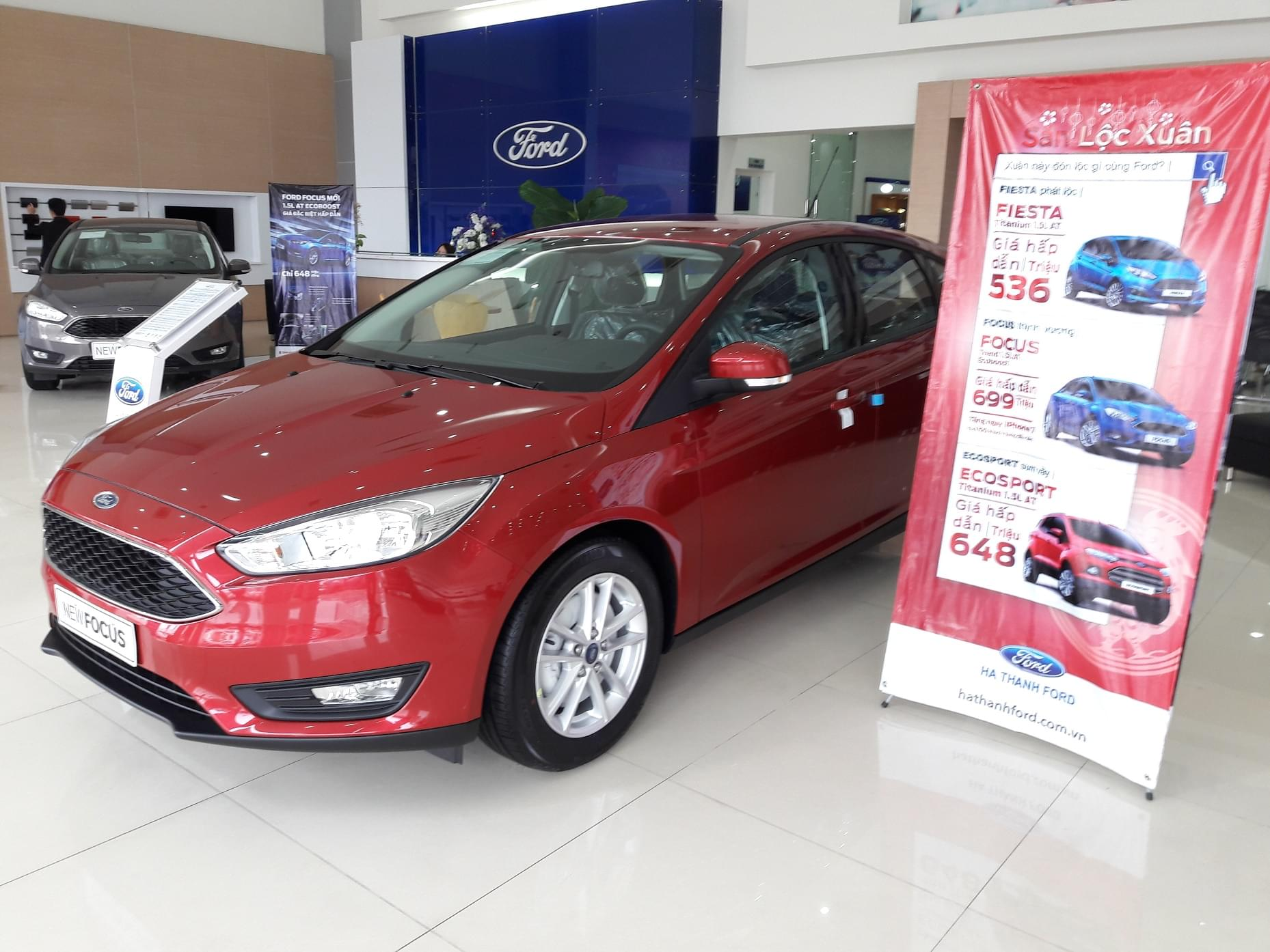 xe-ford-focus-trend-mau-do