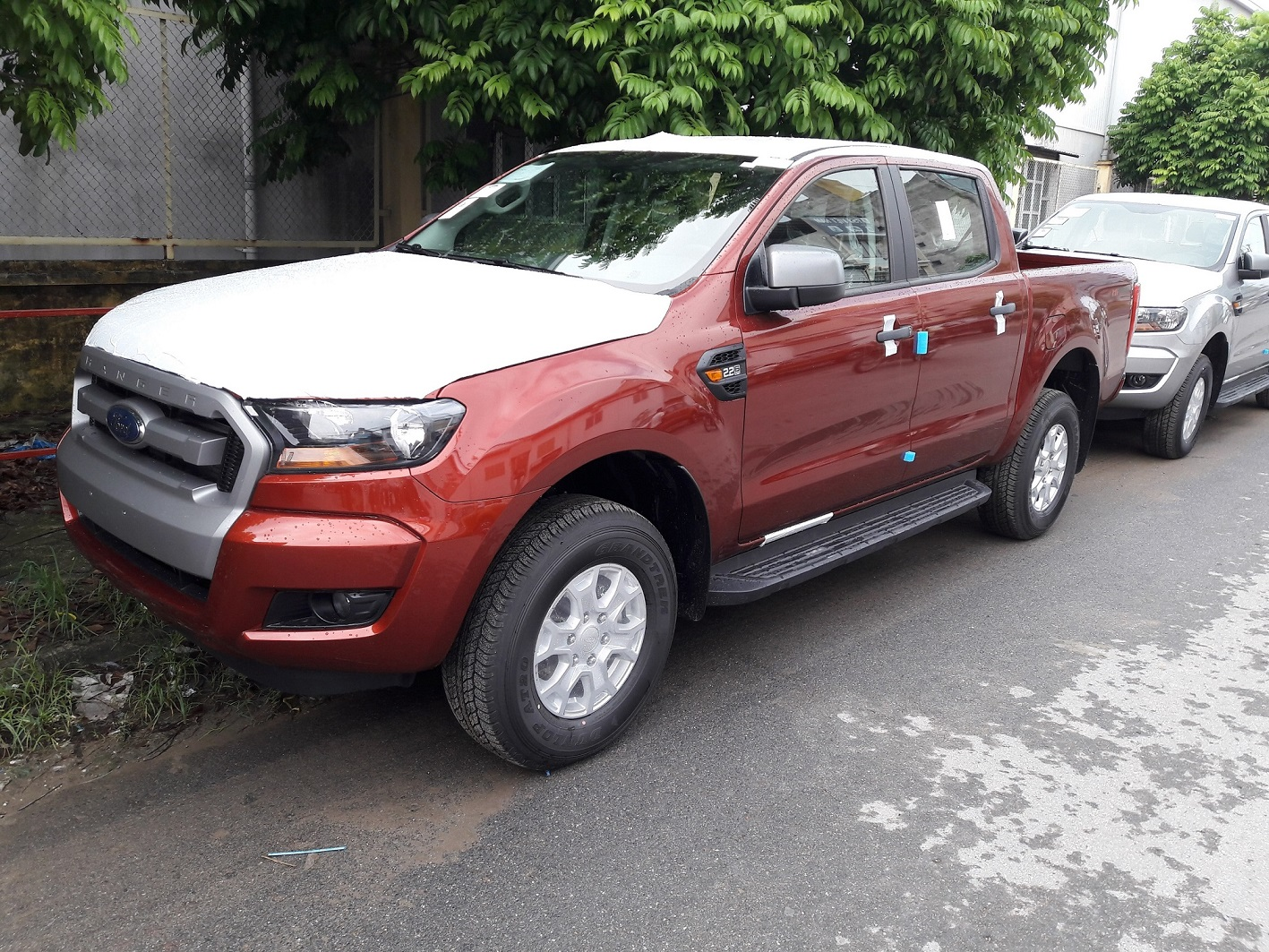 ford-ranger-mau-do-man