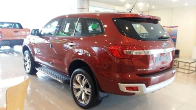 ford-everest-mau-do