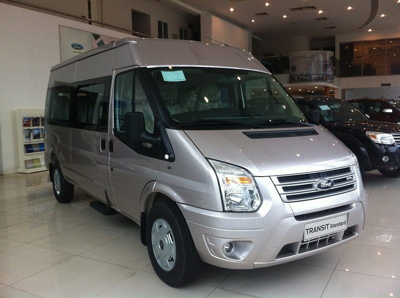 xe-ford-transit-2018