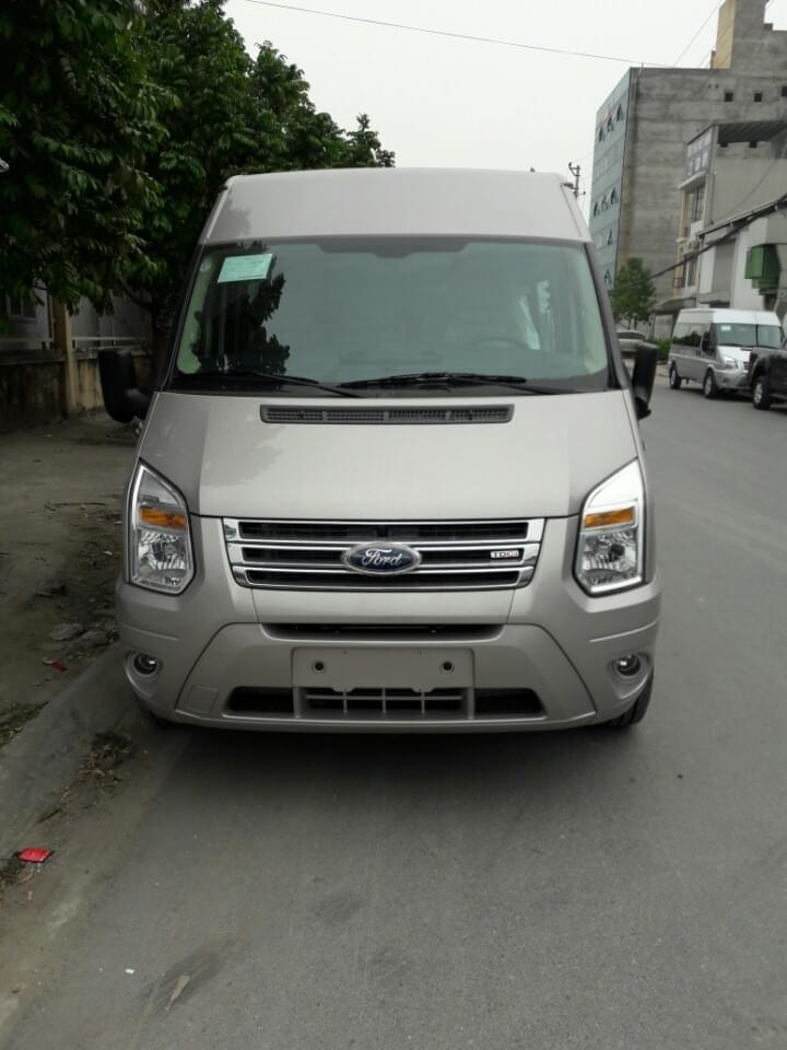 ngoai-that-xe-ford-transit-mid