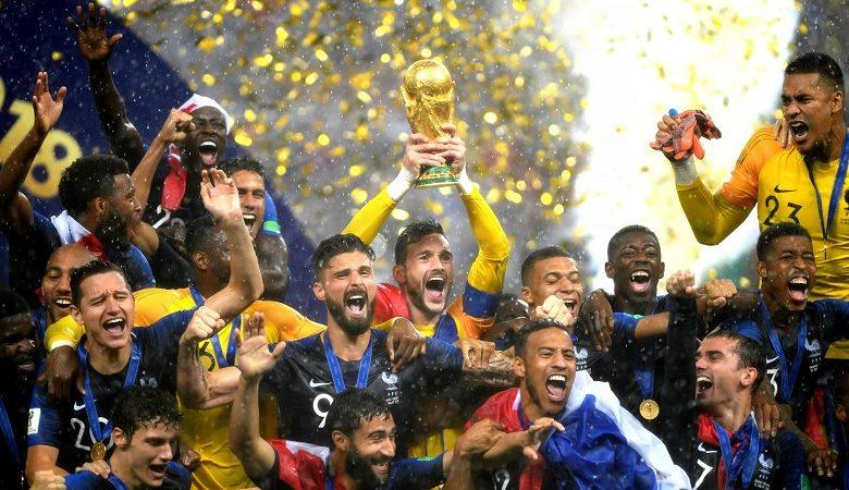 https://bizweb.dktcdn.net/100/072/140/collections/cac-doi-vo-dich-world-cup-trong-lich-su-vietnam9-780x450.jpg?v=1612714761800