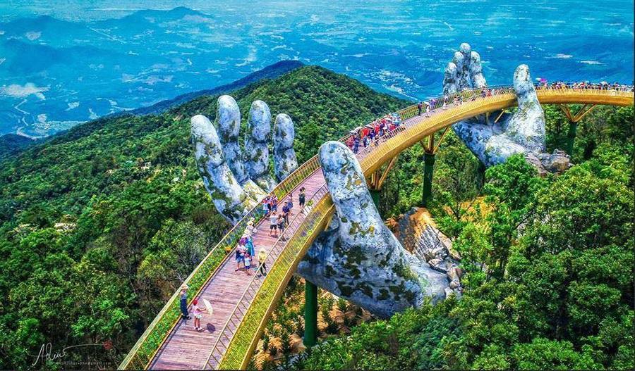 Cây cầu bàn tay khổng lồ - điểm đến sống ảo mới toanh toành toành tại Bà Nà Hill