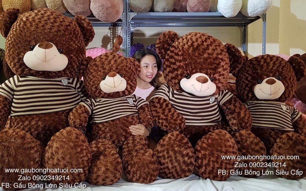 Gấu bông lớn áo len 1m8