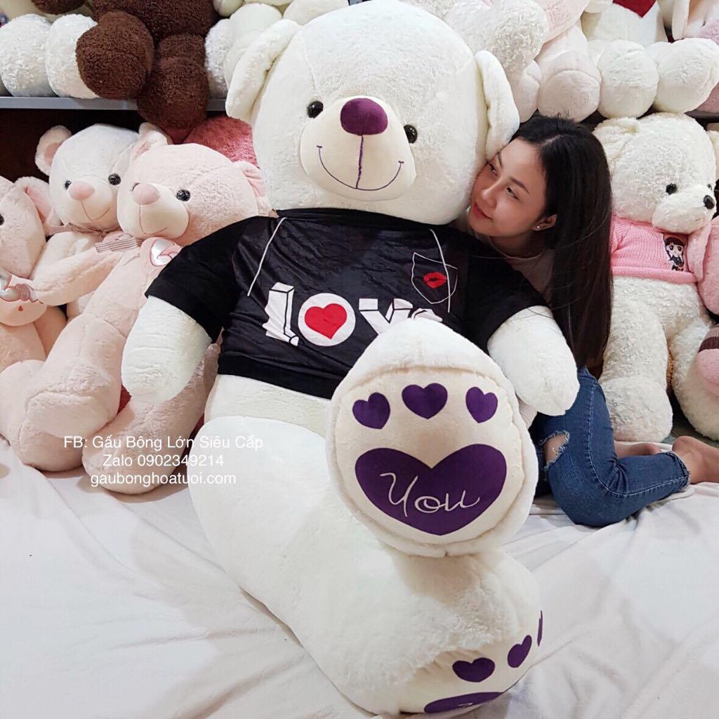 Gấu bông trắng áo nhung chân tim love