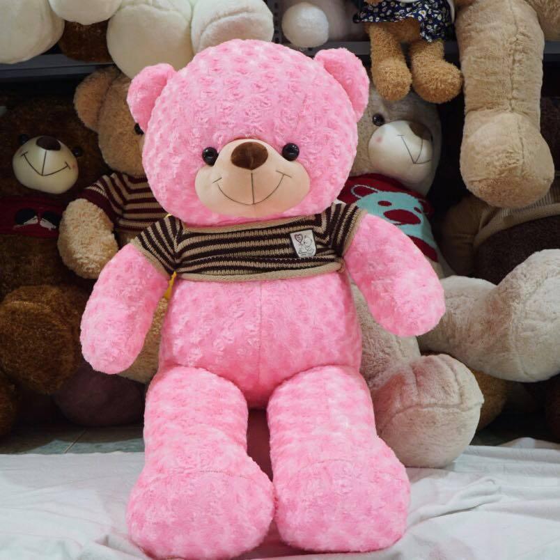 Gấu bông màu hồng xinh