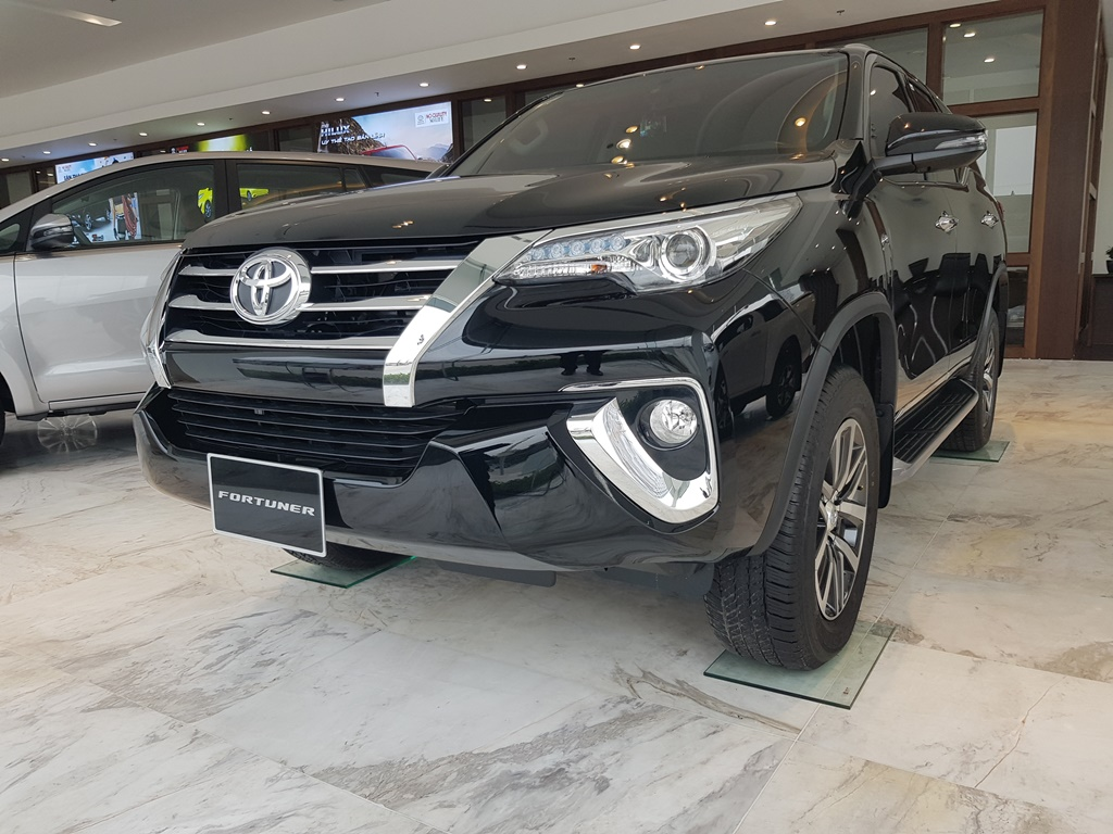 gia-toyota-fortuner-so-tu-dong