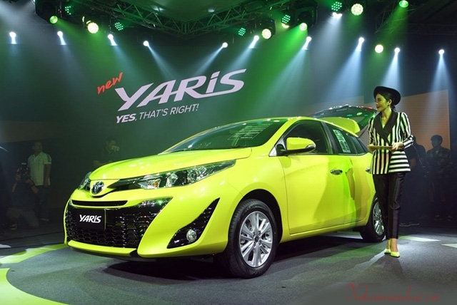 xe-toyota-yaris-2018-all-new-da-ve-den-viet-nam
