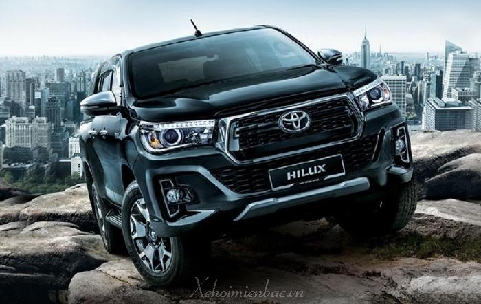 Xe bán tải Toyota Hilux 2019 sẽ trình làng trong tháng 8 tới đây.