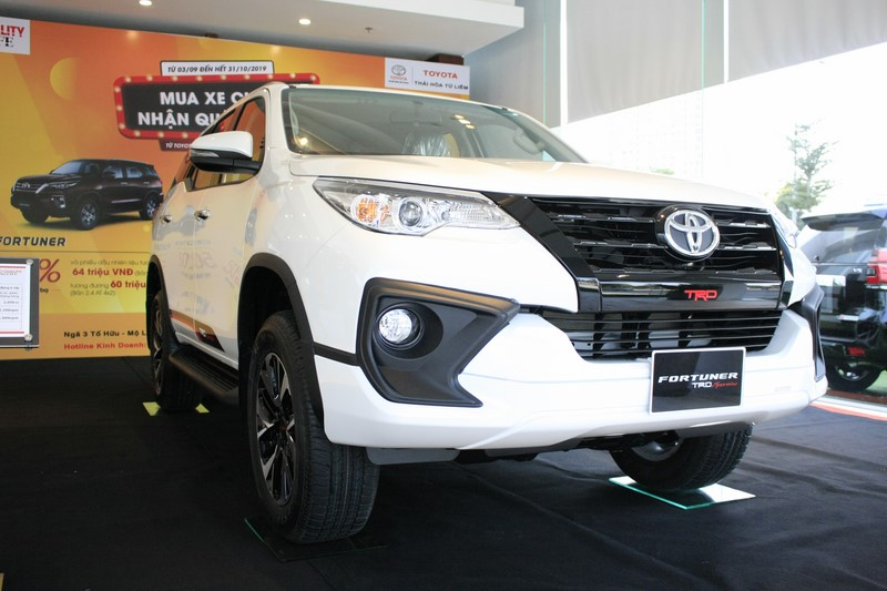 gia-xe-toyota-fortuner-trd-sportivo-2-7at-4x2-may-xang