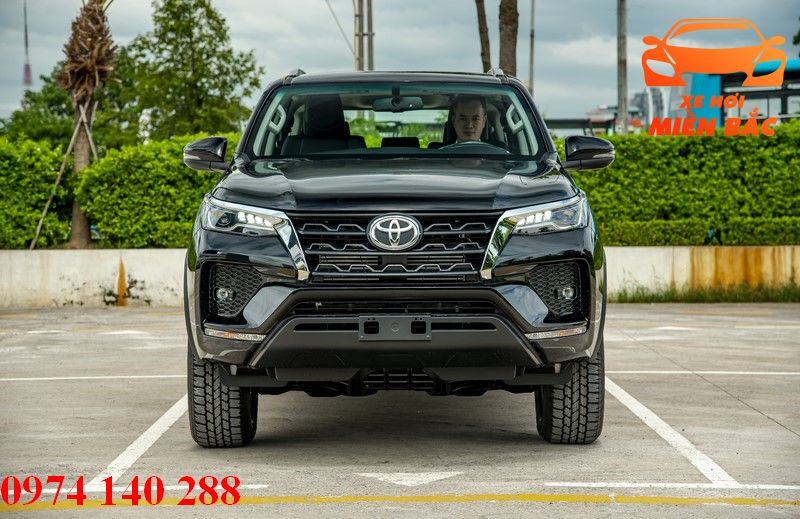 gia-xe-fortuner-2-4l-4x2-at-diesel