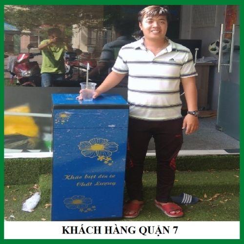 khach-hang-quan-7