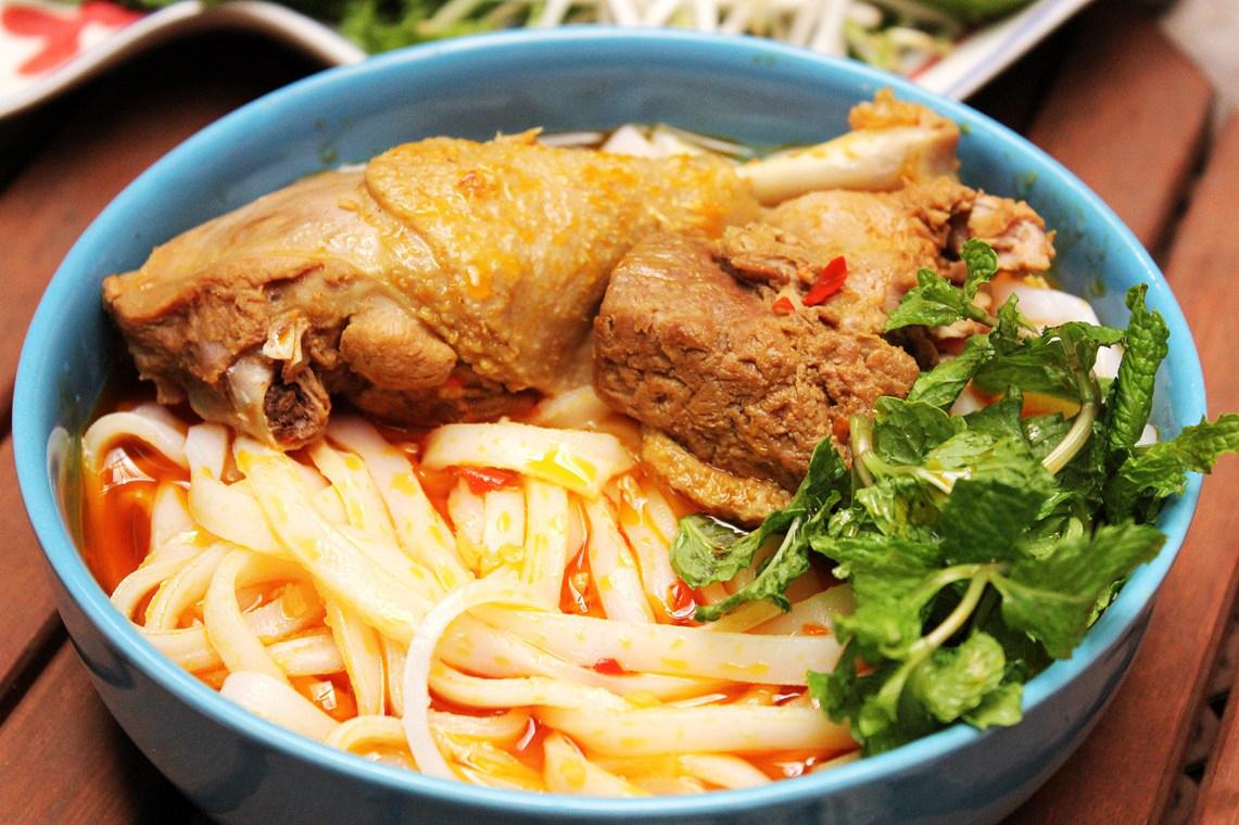 Mì Quảng Bà Vị - 920 Ngô Quyền, P. An Hải Tây,