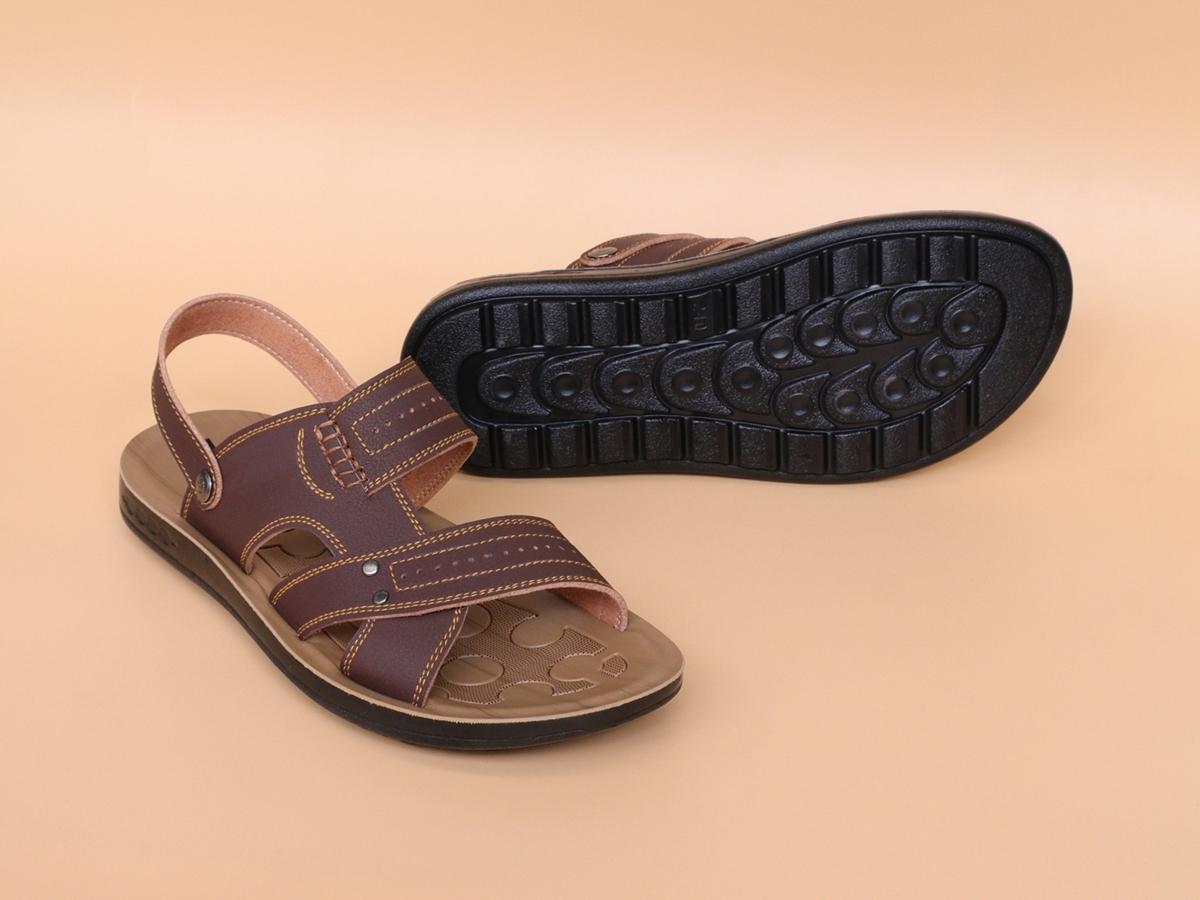 Sandal nam quai da bò đế đúc, may chân quai