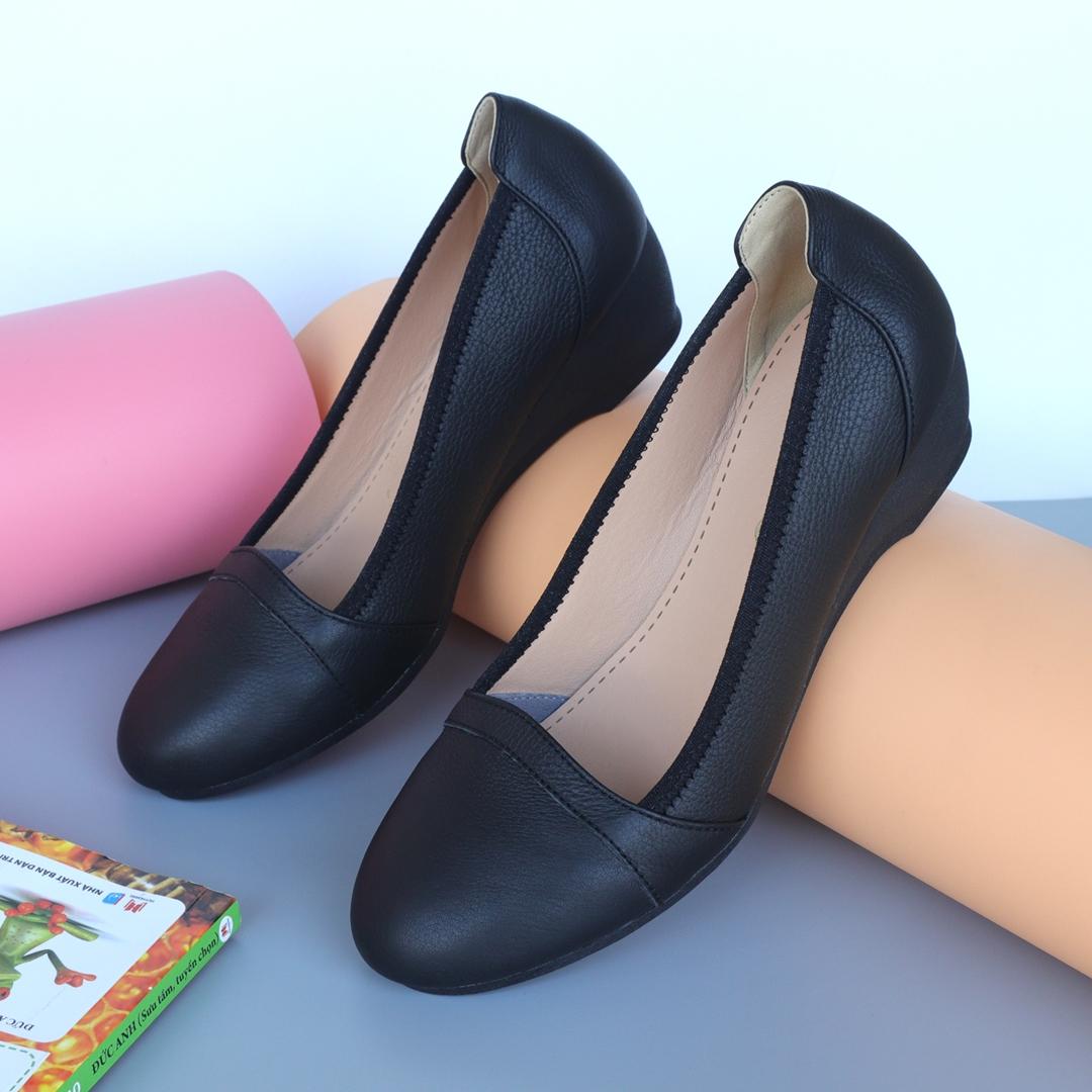 Giày đế xuồng da bò màu đen cao 4p