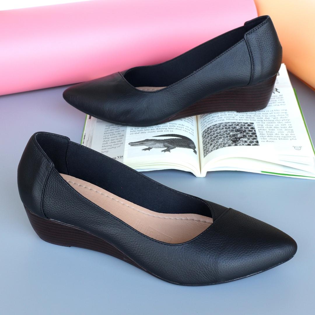 Giày đế xuồng da thật màu đen, cao 5cm