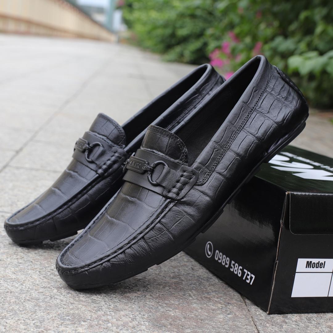 Giày mọi da bò in vân cá sấu màu đen