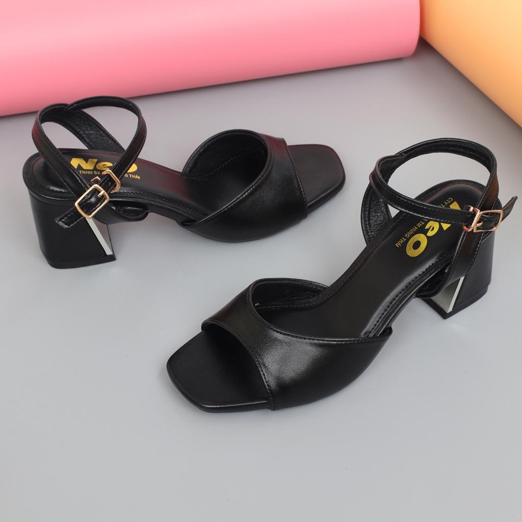 Sandal nữ cao 5p màu đen