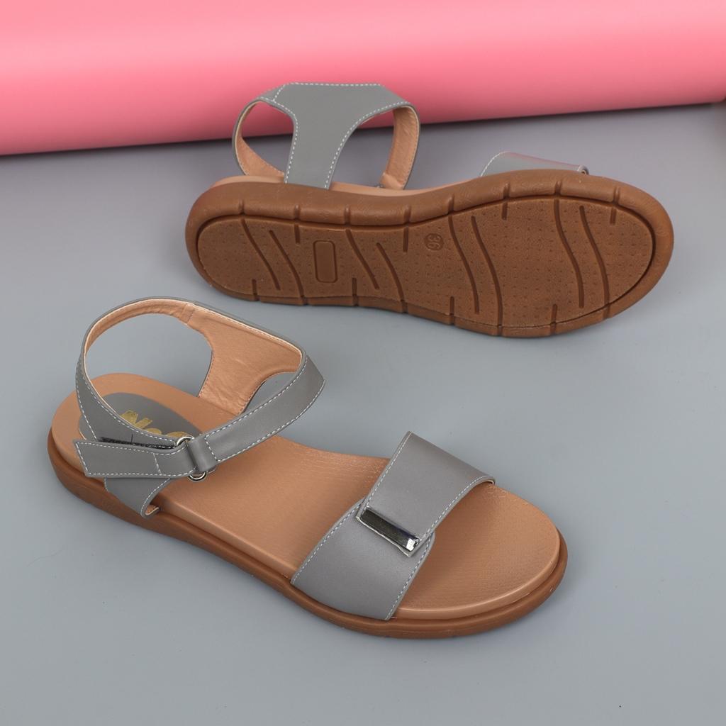 Sandal bệt nữ màu ghi
