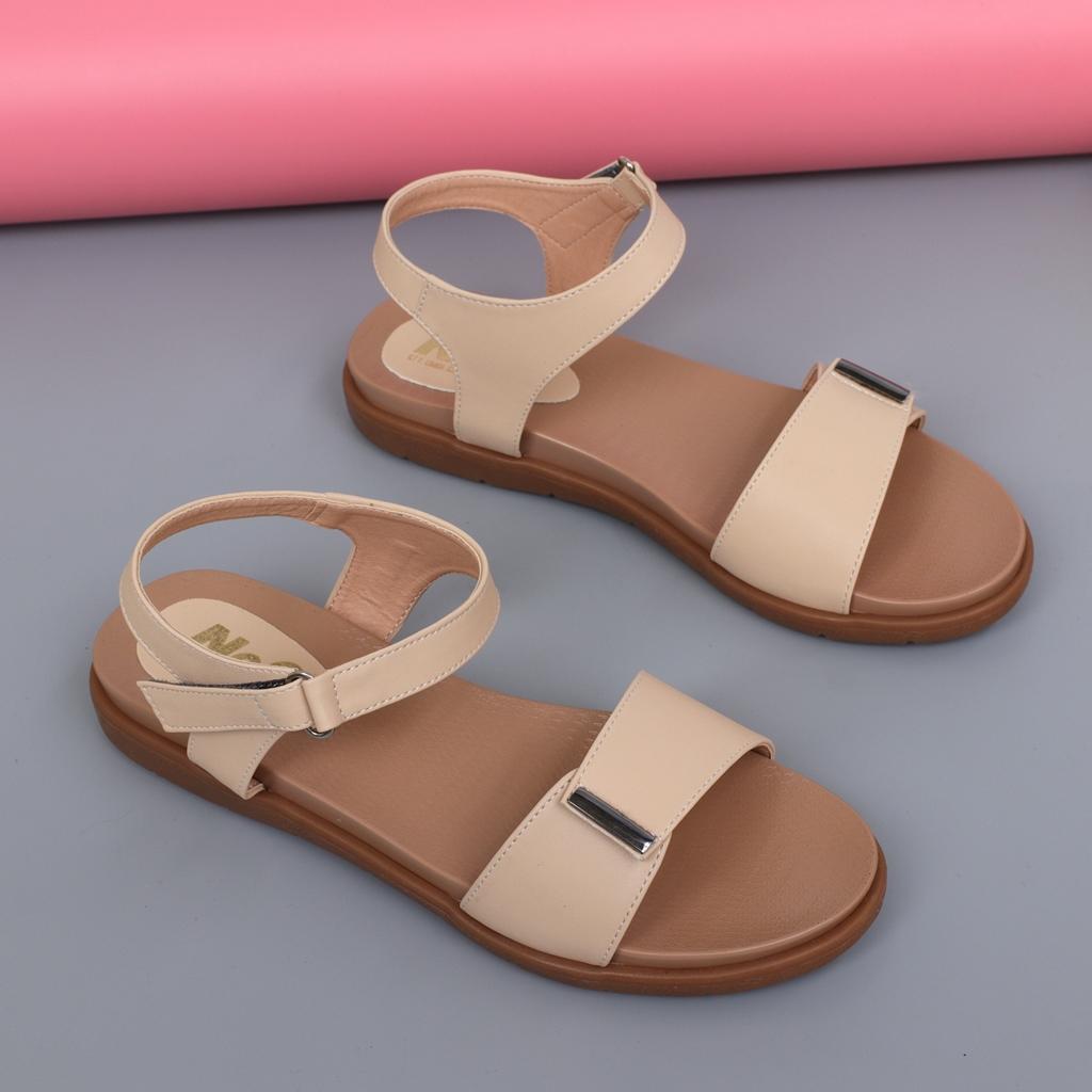Sandal bệt nữ màu kem