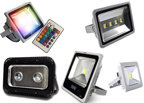 Đèn pha LED ngoài trời