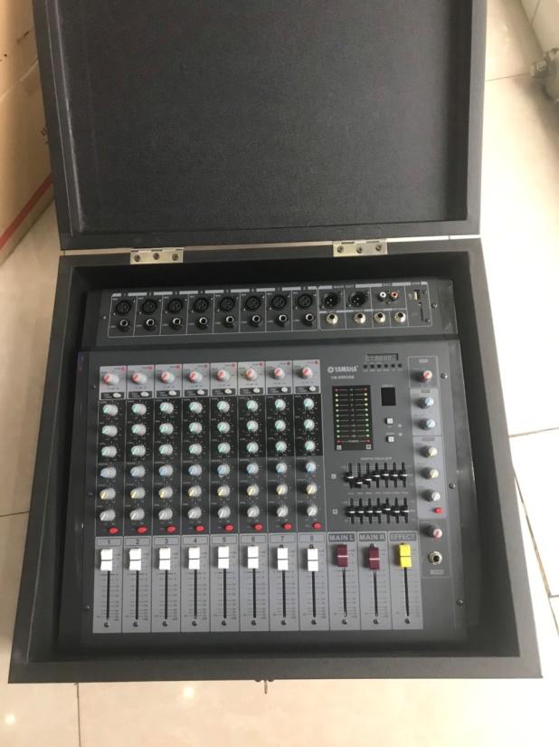 Bàn trộn âm liền Công suất bộ tạo Effects, EQ   Model: YM-808USB