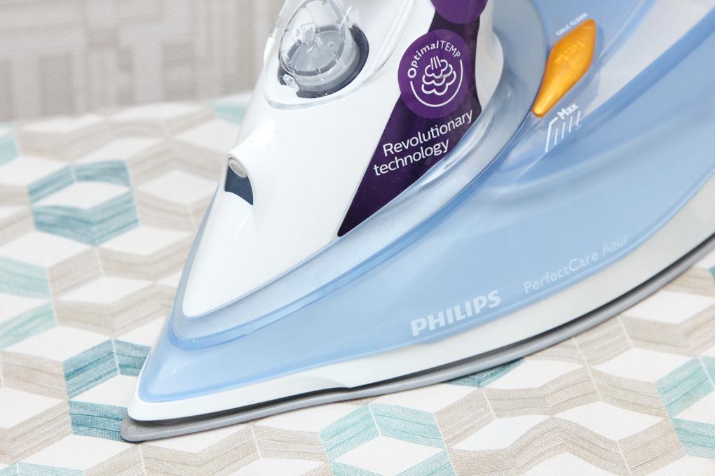 Bàn là hơi nước Philips GC4910