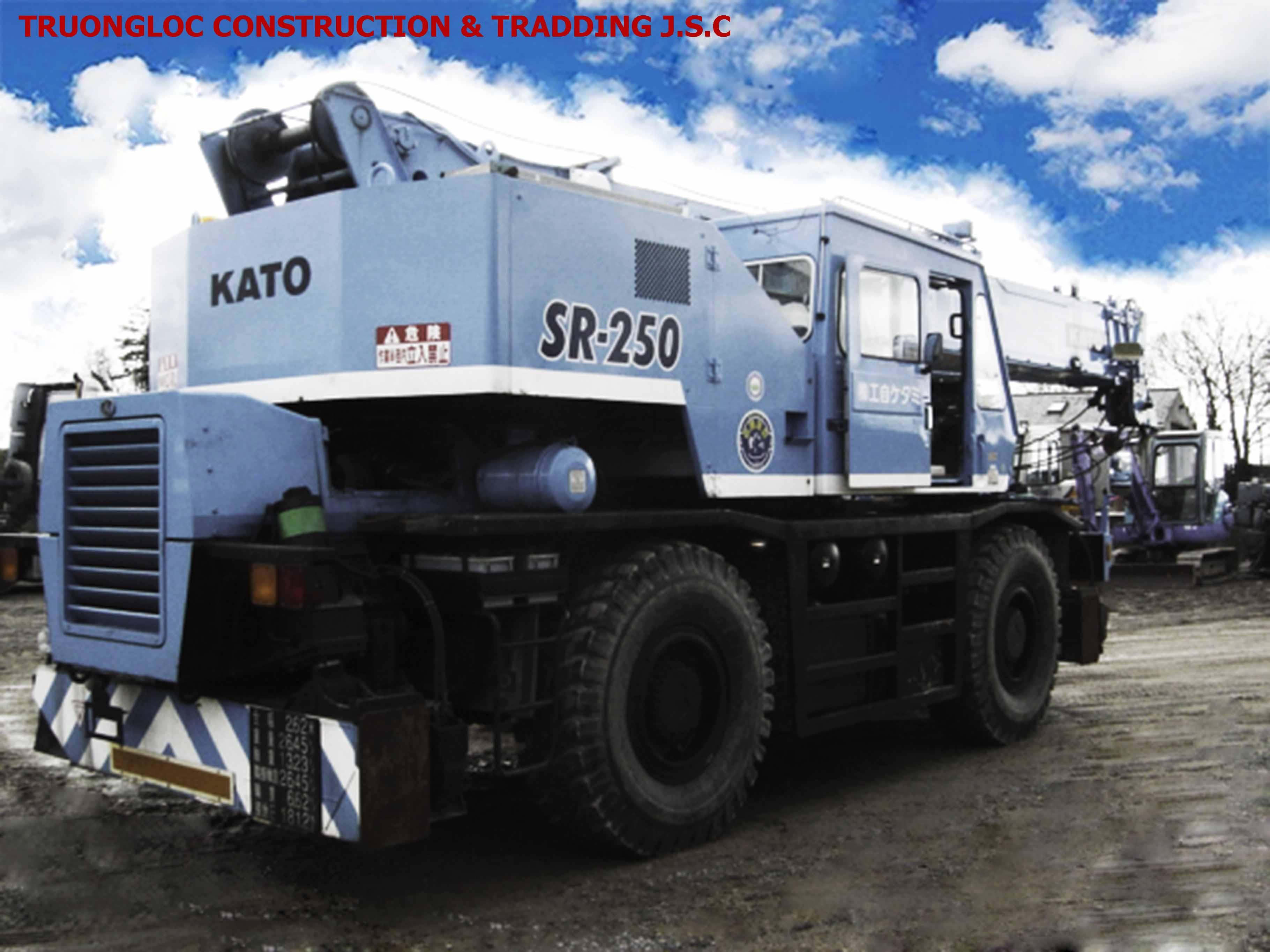 Kato 25-ton truck crane