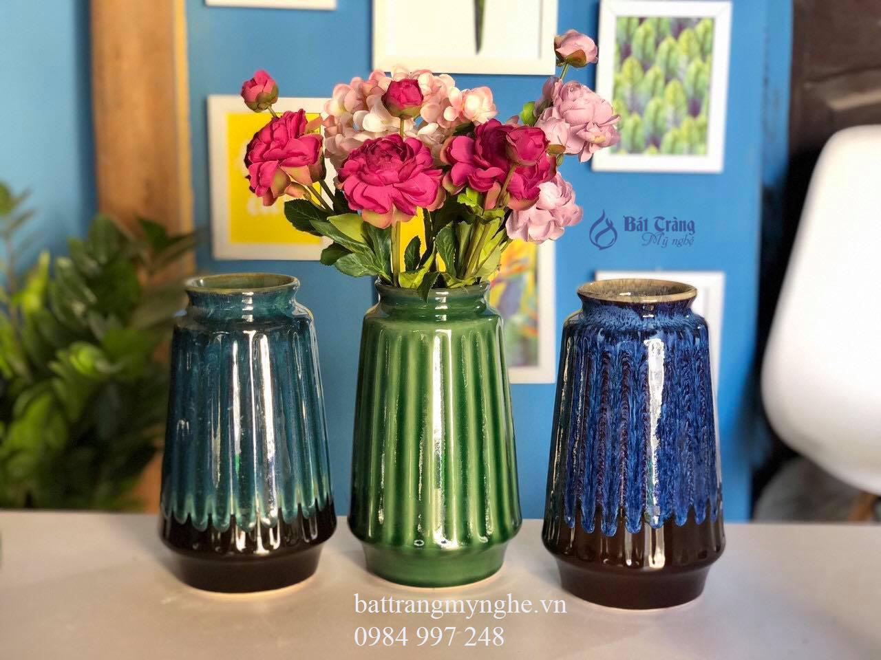Bộ ba lọ hoa dáng bầu men xanh