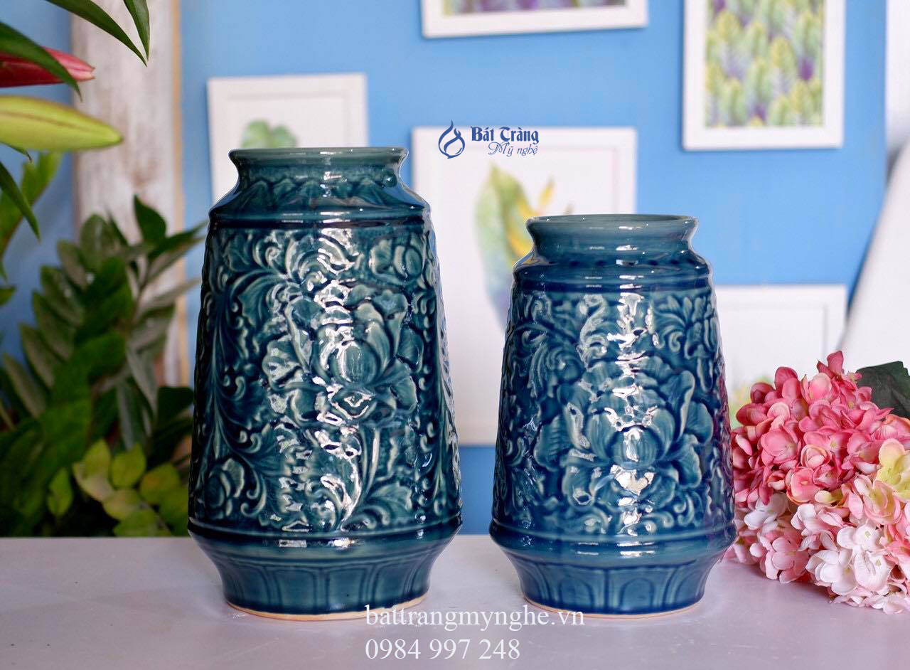 Bộ đôi lọ hoa khắc hoa văn dáng bầu men xanh