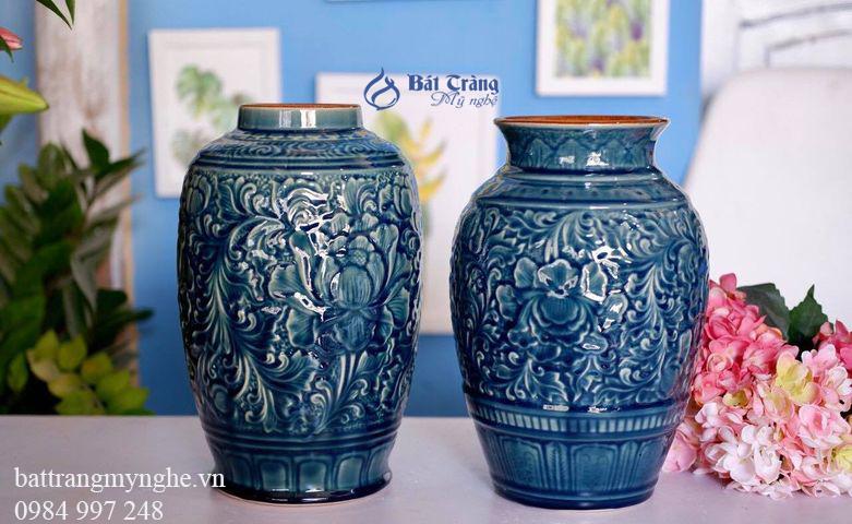 Bộ đôi lọ hoa anh em khắc hoa văn men xanh