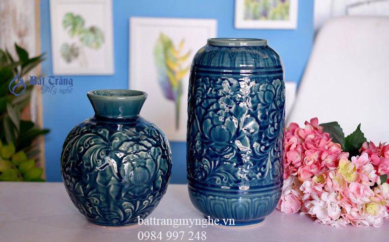 Bộ đôi lọ hoa cao thấp khắc hoa văn men xanh